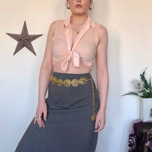 🦋 Baby pink sleeveless buttonup collared crop top
